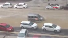 Ankara'da sağanak yağış etkisini gösterdi