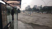 Başkent'te sağanak yağış hayatı felç etti