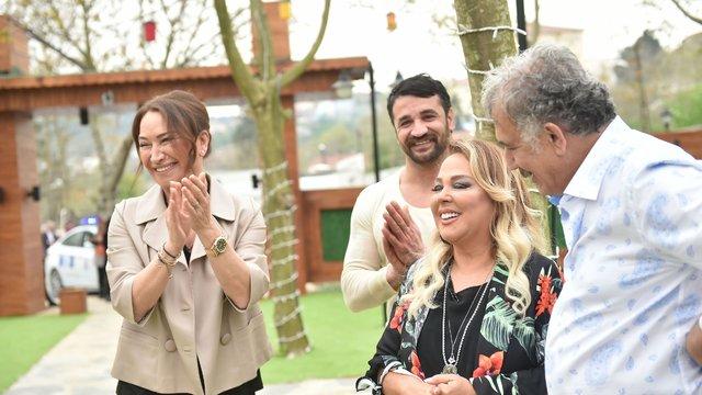 Safiye Soyman'ı Faik Öztürk köfte ile şakaladı!