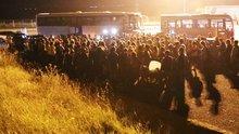 Tahliye edilen Boğaziçi Üniversitesi öğrencileri yol kenarına bırakıldı