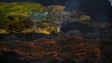 Hawaii'de lavlar okyanusa ulaştı! Yanardağdaki kül patlaması depreme neden oldu