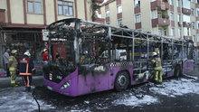 Seyir halindeki özel halk otobüsü cayır cayır yandı