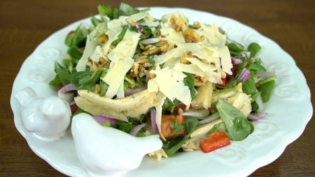 Enginarlı Bereket Salatası