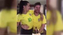Adriana Lima'dan Metin Hara'yla Birlikte Brezilya Formalı Paylaşım