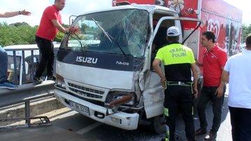 Küçükçekmece D100 Karayolu'nda zincirleme trafik kazası