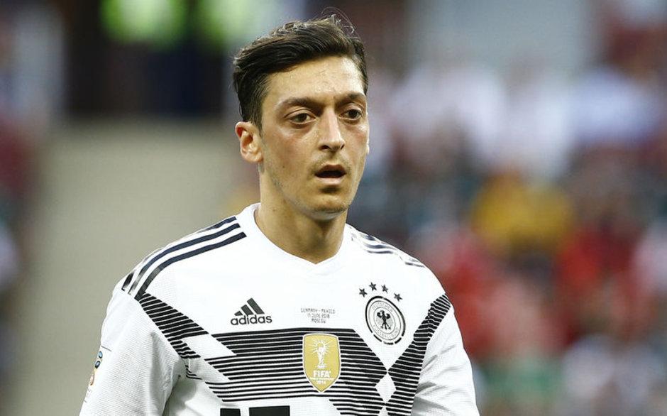 Alman basını Mesut Özil'e sahip çıktı: Ona çok şey borçluyuz