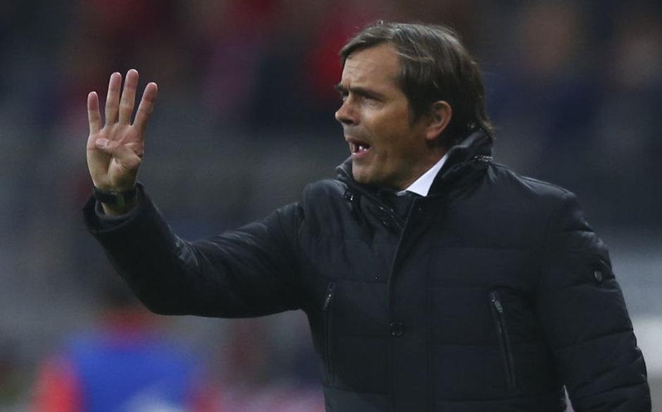 Cocu resmen Fenerbahçe'nin yeni teknik direktörü
