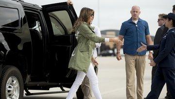 Melania Trump'ın giydiği ceket tartışma yarattı! Nedeni ise...