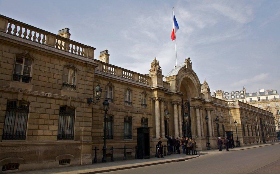 Macron'a kızdılar, Élysée Sarayı'nın gazını kestiler