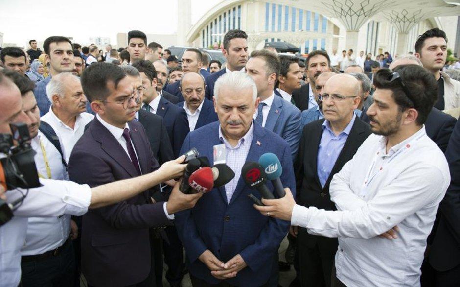 Başbakan Yıldırım'dan sandıklar kapandıktan sonra ilk açıklama