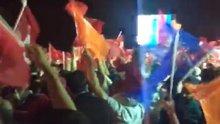 İstanbul'daki Hüber Köşkü önünde kutlamalar