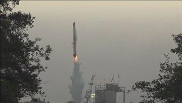 Japonya'da roket fırlatıldıktan 6 saniye sonra düştü