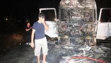 TIR sürücüsü yanan aracı için gözyaşı döktü