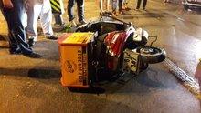 Fatih'te motosiklet ile taksi çarpıştı! 1 kişi yaralı