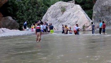 Korku dolu anlar! Baraj kapakları açıldı, piknikçiler dehşeti yaşadı!