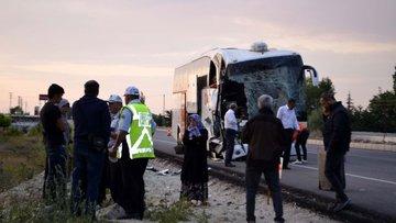 Amasya'da yolcu otobüsü tıra çarptı: 23 yaralı