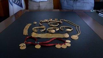 Takside unutulan 110 bin lira değerindeki altınları sahibine teslim etti