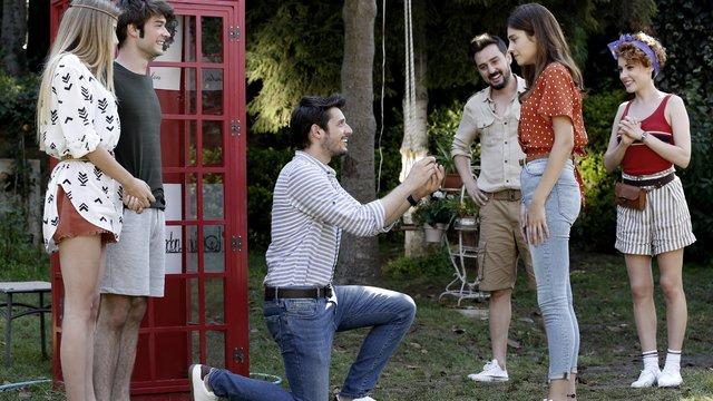 Cem, Öykü'ye evlenme teklif ediyor!