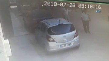İzmir'de eski koca dehşeti kamerada