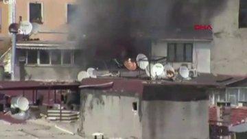 İstanbul Fatih'te 5 katlı binada yangın