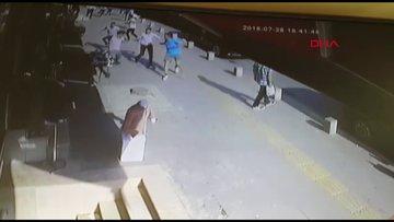 Esenyurt'ta omuz atma tartışması sonrası feci şekilde dövüldü