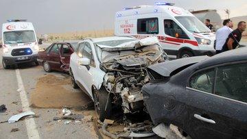 Konya'da zincirleme kaza! 19 araç birbirine girdi