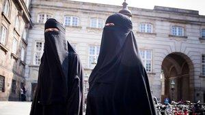 O yasa yürürlüğe girdi! Danimarka'da kamusal alanda burka ve peçe yasağı