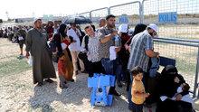 Suriyelilerin bayram göçü! Binlerce kişinin sınırdan geçişi başladı