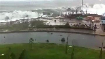 Rize'de dalgalar 4 metreye ulaştı