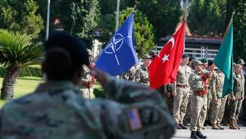 NATO'da devir teslim töreni! Korgeneral John C. Thompson görevi aldı