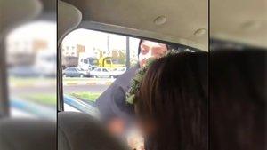 İranlı kadınların hicap kavgası! Başını örtmeyen kadın, hemcinsinin saldırısına uğradı