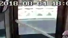 Yolcu ile otobüs şöförünün kavgası kameralara böyle yansıdı