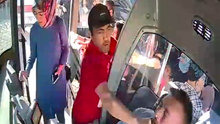 Otobüste yumruk yumruğa kavga! Yolcular zor ayırdı