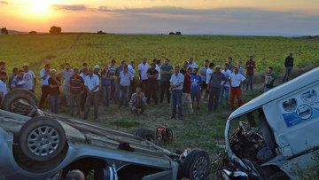 Edirne'de panelvan ile otomobil kafa kafaya çarpıştı: 4 ölü