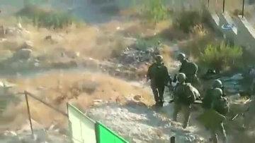 İsrail askerleri, Filistinli yaşlı adamı sedyeyle gözaltına aldı