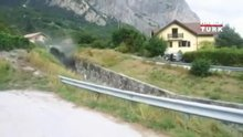 İsviçre'de köyü sel suları bastı