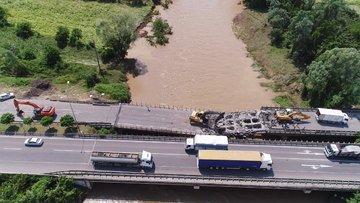 Köprüler yıkıldı, işyerleri su altında kaldı! Sel mi yanlış yapılaşma mı?