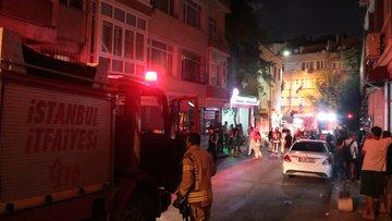 Fatih'te korkutan yangın! İtfaiye sokağa giremedi
