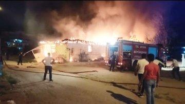 Aydın'da depoda çıkan yangın korkuttu