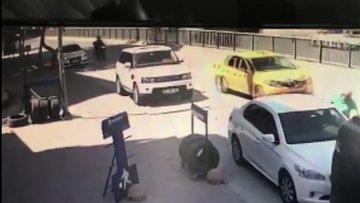 Kadıköy'de feci kaza güvenlik kamerasında