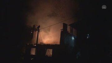 Artvin'de ev yangını