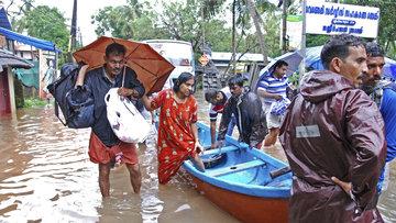 Hindistan'ı sel vurdu: 324 ölü