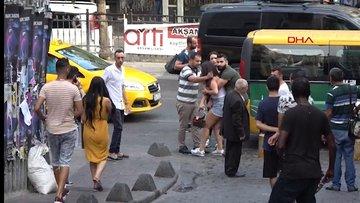 Taksim'de kavga; kafasında şişe kırdılar