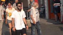 Felç geçiren oyuncu ve tiyatro sanatçısı Hikmet Karagöz Taksim Meydanı'nda görüntülendi