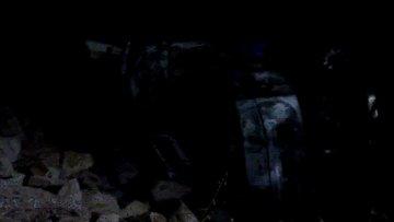 Alev alan TIR'da sıkışan sürücü yanarak can verdi