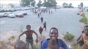 Kaçak göçmenlerin sevinci