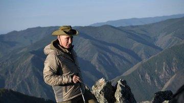 Putin'in Sibirya tatili: Dağa tırmandı, balık tuttu