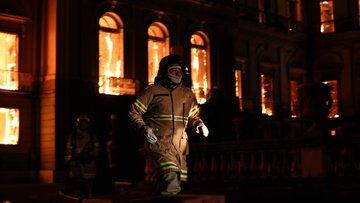 Brezilya'daki müze yangınında skandal!