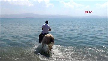 """""""Van Gölü bizim, başka denizimiz yok"""""""