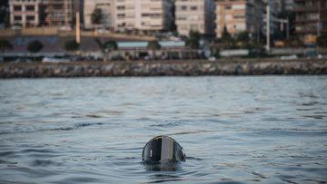 Bostancı açıklarında denize düşen helikopterin enkazı kaldırılıyor